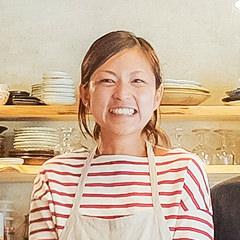 食育係/管理栄養士 浅羽 暁子 Akiko Asaba