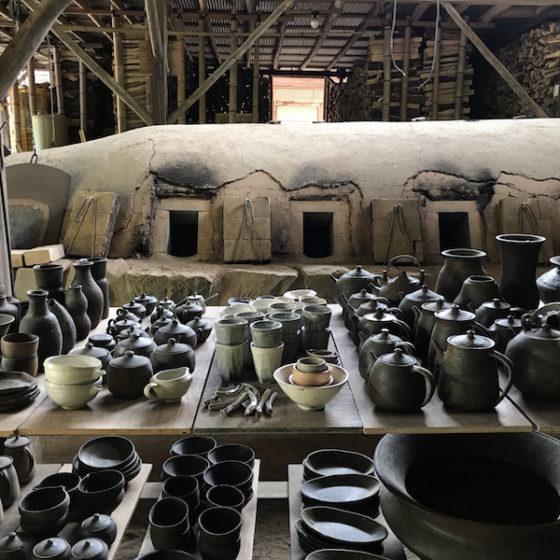 【地産地食の学校_05】<br/>UTSUWA LIFE &#038; WORK<br/>「毎日の器 ー 暮らし、仕事、器」<br/>案内人:上野 剛児(陶芸家)<br/> 聞き手:谷 真琴<br/>(まちのシューレ963 物販店長)