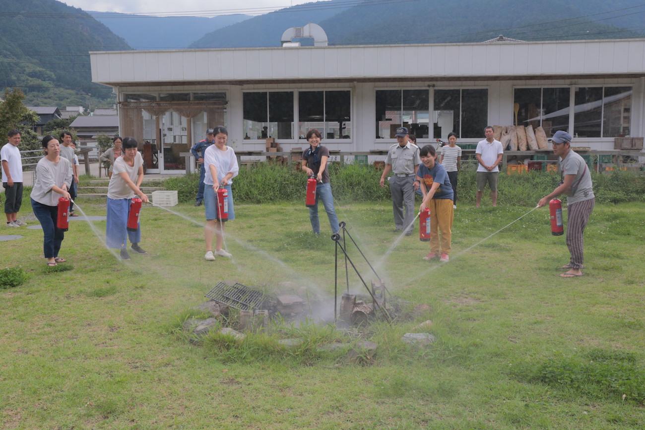 第12回「みんなでつくる全体会議」より、消火訓練