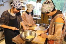 里山の会のみなさんと一緒に作った<br/>ごはんのおとも「新生姜の佃煮」